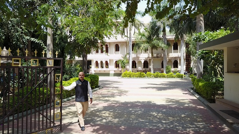 Ranthambhore Regency Hotel tiger safari drone photo of front of hotel and welcoming staff