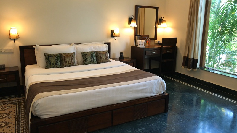 Ranthambhore Regency Hotel tiger safari photo of room with double bed