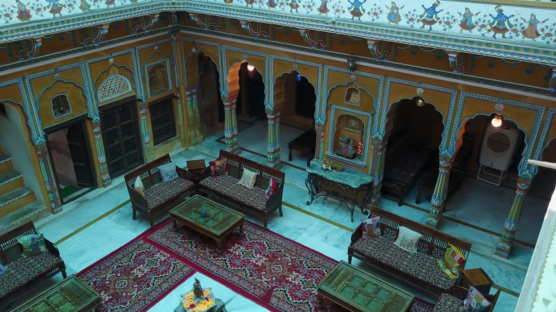 Radhika Haveli Mandawa Shekawadi region Rajasthan drone photo of beautifull decorared inner courtyard
